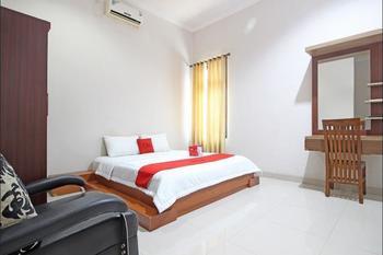 RedDoorz near Hartono Mall 3 Yogyakarta - RedDoorz Suite with Breakfast Regular Plan