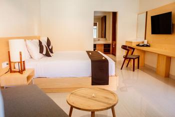 Kutus Kutus Sunari Beach Resort Lovina - Superior Room Getaway deal