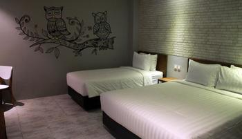 Nite & Day Surabaya - Kedungdoro Surabaya - Moonlite Nite Room Breakfast 3 Pax Regular Plan