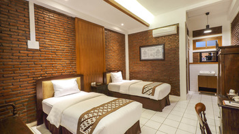 Paku Mas Hotel Yogyakarta - Superior Double or Twin Room Regular Plan