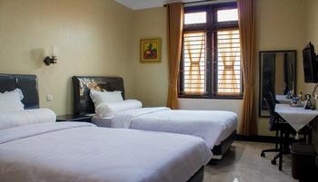 Cozzy Kostel Bogor Managed by Salak Hospitality Bogor - Superior Room Regular Plan