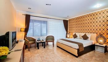 Grand Prioritas Hotel Bogor - Deluxe Room With Breakfast Regular Plan