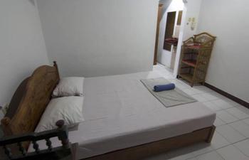 Donna Homestay Bali - Standard Room with Fan Regular Plan