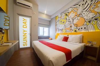 RedDoorz Apartment near Bundaran Satelit Surabaya Surabaya - RedDoorz Room Regular Plan