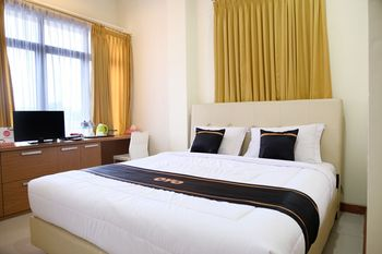 OYO 1612 Hotel Central City Belitung - Deluxe Double Room Regular Plan