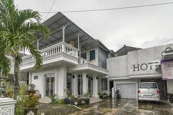 RedDoorz near Pantai Tanjung Pendam