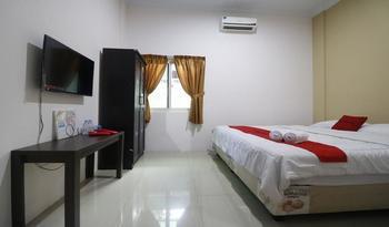 RedDoorz @ Jalan Krakatau Medan Medan - RedDoorz Room Pegipegi 12.12