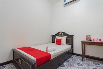 RedDoorz Syariah @ Kolonial Guest House Majalengka - RedDoorz Room Gajian