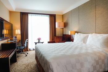 Swiss-Belhotel Serpong  Tangerang Selatan - Deluxe Queen Room Only Last Minute Deal 10%