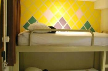 Subwow Hostel Bandung Bandung - 3 Bed in 1 Room Share Private Bathroom Room Only Regular Plan
