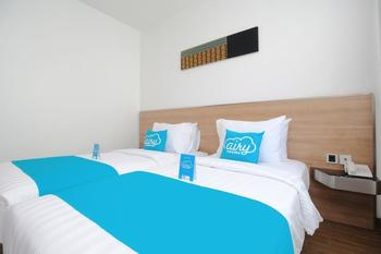 Airy Sudirman 429A Dumai - Deluxe Twin Room with Breakfast Special Promo Mar 28