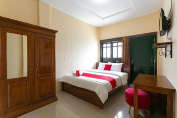 RedDoorz Syariah near Titik Nol Yogyakarta Yogyakarta - RedDoorz Room 24 Hours Deal
