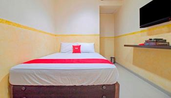 RedDoorz near Gajah Mada Plaza Jakarta - RedDoorz Room Regular Plan