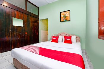 OYO 1808 New Bandungan Indah Semarang - Deluxe Double Room Regular Plan