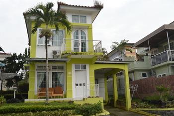 Villa Kota Bunga Type Francisco