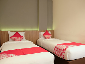 OYO 1047 The Holiday Guest House Belitung - Suite Twin Regular Plan