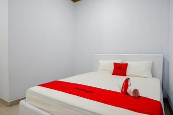 RedDoorz near Hartono Mall Solo Sukoharjo - RedDoorz Room Basic Deal