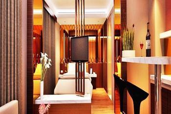 Favor Hotel Makassar - Favor Suite - Room Only Regular Plan