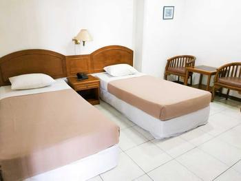 Hotel Yogya Moon Yogyakarta - Deluxe - Standard  Room AC (2 orang) Regular Plan