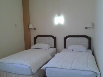 Hotel Kemuning Surabaya - Standard Reguler