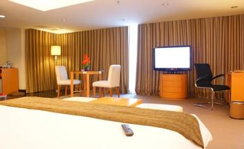 Merlynn Park Hotel Jakarta - Prada Suite With Breakfast Regular Plan