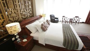 Merlynn Park Hotel Jakarta - Presidential Suite With Breakfast Regular Plan