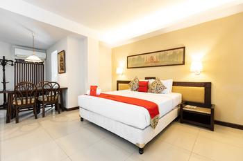 RedDoorz Plus @ Losari Beach Hotel Makassar - RedDoorz Suite  Basic Deal