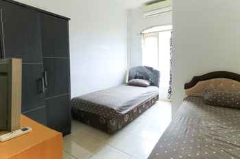 Sentosa 76 Guest House Balikpapan - Standard Double AC Room Only FC Special Deal