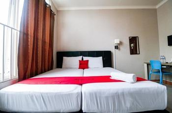 RedDoorz @Ranotana Manado Manado - RedDoorz Twin Room Last Minute