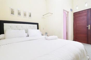 Krisna Hostel Deli Serdang - Superior Room Only NR Special Deal