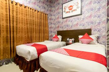 OYO 741 Hotel Labuhan Raya Medan - Deluxe Twin Room Regular Plan