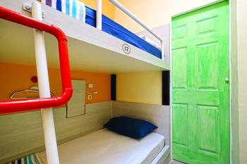 Mel's Dorm Jakarta - Private Twin Bunk Bed with Shared Bathroom Min stay 2N
