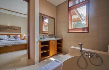 Desak Putu Putera Cottage Bali - Super Deluxe Room with Breakfast Hot Deal