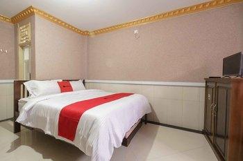 RedDoorz Plus Syariah near RSUP Dr. M. Djamil Padang Padang - RedDoorz Room Special Deals