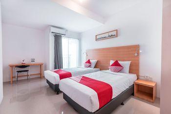 OYO 766 Flagship Prima Orchard Bekasi - Standard Twin Room Great Sale