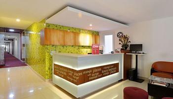 ZenRooms Tangerang Aeropolis