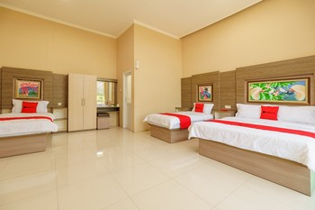 RedDoorz Resort Premium @ Sangkan Hurip Kuningan Kuningan - RedDoorz Family Suite Room Regular Plan