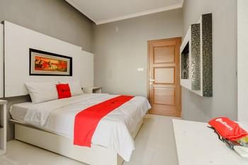 RedDoorz Resort Premium @ Sangkan Hurip Kuningan Kuningan - RedDoorz SALE Regular Plan