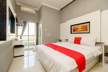 RedDoorz Resort Premium @ Sangkan Hurip Kuningan Kuningan - RedDoorz Room Regular Plan