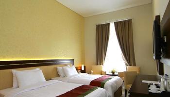 Gambir Anom Hotel & Villa  Solo - Deluxe Twin - with Breakfast Regular Plan