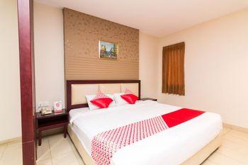 OYO 1447 Lovina Inn - Nagoya Batam Batam - Suite Family Regular Plan