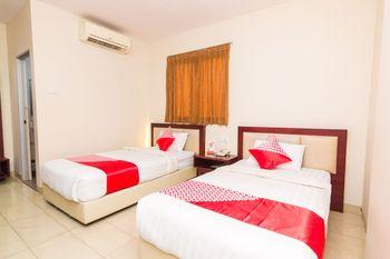 OYO 1447 Lovina Inn - Nagoya Batam Batam - Suite Twin Regular Plan