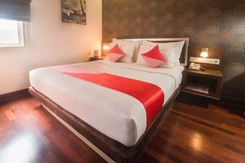 OYO 1089 Hotel Hero Ambon - Deluxe Double Room Regular Plan
