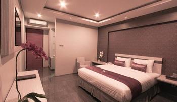 Transera Kamini Legian Hotel Bali - Deluxe Room Only December Deal !!