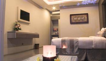 Transera Kamini Legian Hotel Bali - Deluxe with Breakfast December Deal !!