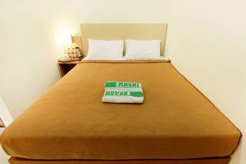 Masrilink's Guest House Jogja - Standard Room Only Minimum Stay