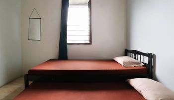 FAI Bogor Backpacker Bogor - Lalana Twin Room Basic Deal 50%