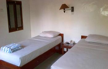 Suji Bungalow Bali - Standard Room with Fan & Hot Cold Water Regular Plan