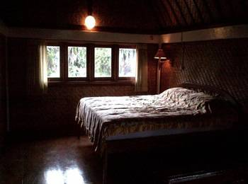 Suji Bungalow Bali - Duplex Room with AC Special Promo - Non Refundable