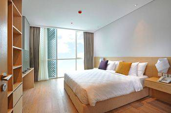 Midtown Residence Surabaya - Room, King Bed (Fabulous Style) Regular Plan